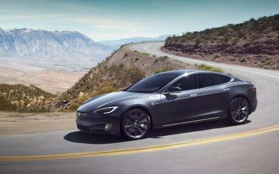 Una dashcam sulle Tesla grazie ad Autopilot