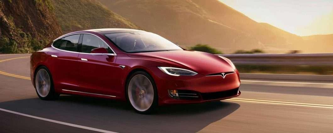 Come ti rubo la Tesla in pochi secondi