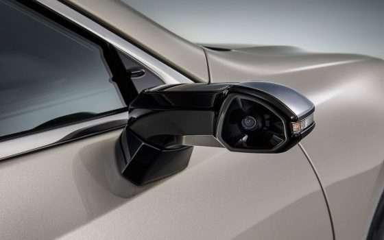 Dagli specchietti ai display sulla nuova Lexus ES
