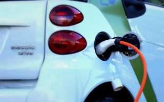 L'Europa vuole meno CO2 e più auto elettriche