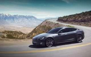 Smartphone e tablet per rubare una Tesla Model S