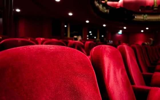 Film al cinema, poi in streaming: è anti-Netflix?