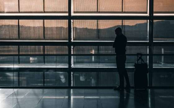 Droni bloccano l'aeroporto di Londra-Gatwick