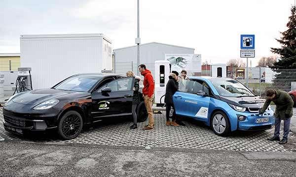 Porsche e BMW insieme per la tecnologia FastCharge