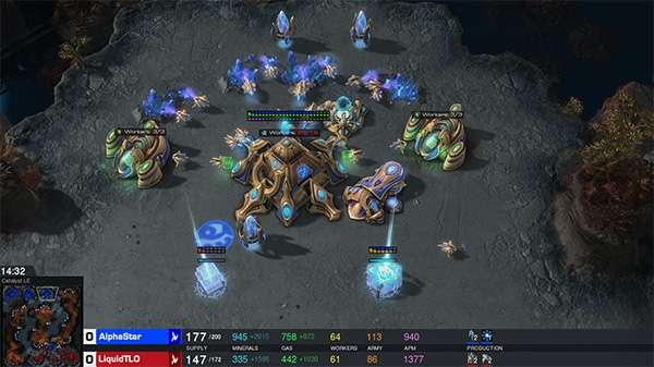 AlphaStar in una partita di StarCraft 2