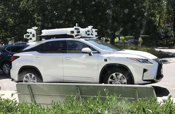 La self-driving car di Apple durante un test del 2017