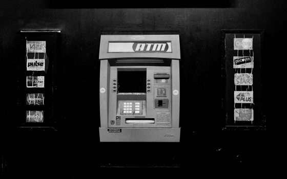 Ruba un milione a un ATM, grazie a uno script