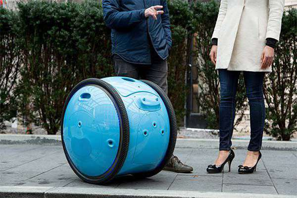 Piaggio Gita, il robot che segue il proprietario in modo autonomo