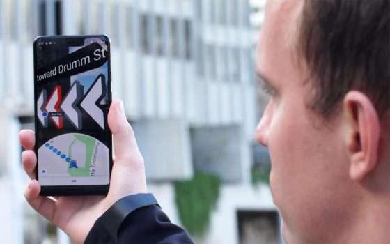 La navigazione di Google Maps in realtà aumentata