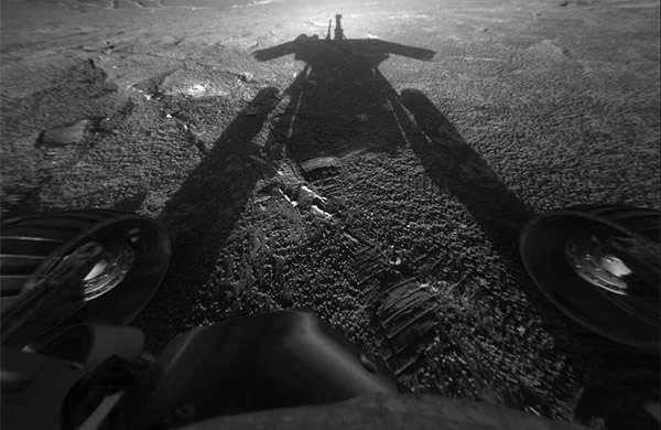 Una delle fotografie scattate dal rover Opportunity della NASA e inviare da Marte alla Terra