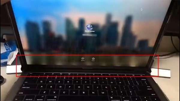 Il Flexgate sullo schermo di un MacBook Pro