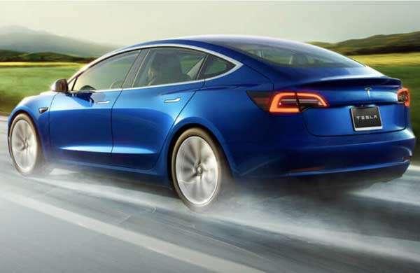 L'auto elettrica Tesla Model 3