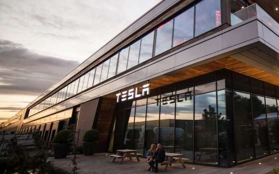 Tesla: Elon Musk sulla chiusura degli store