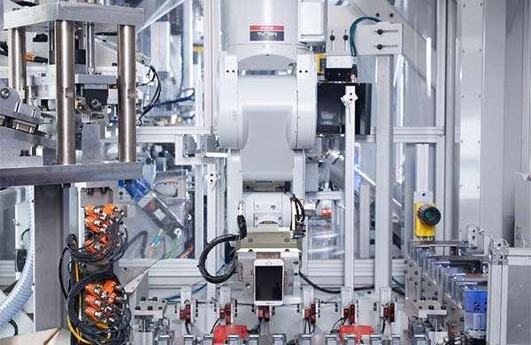 Il robot Daisy di Apple per il disassemblaggio degli iPhone