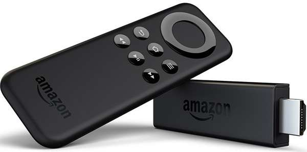 Il dongle Amazon Fire TV Stick e il suo telecomando