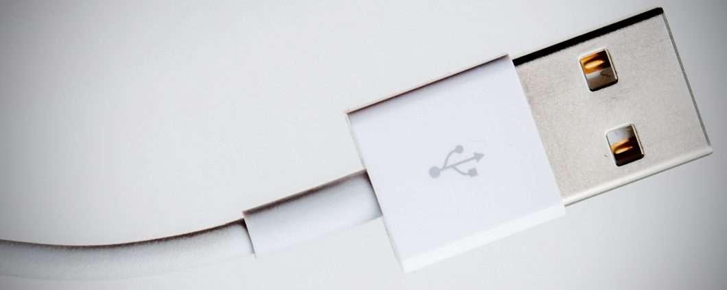 Perché le prime USB non erano reversibili?