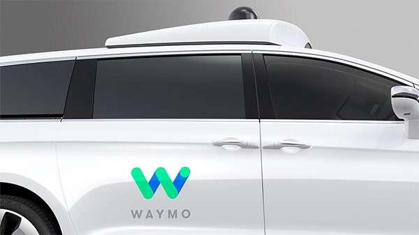 Waymo, un particolare della self-driving car