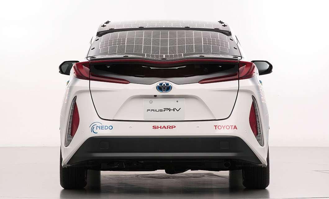 Toyota, NEDO, Sharp: auto solare