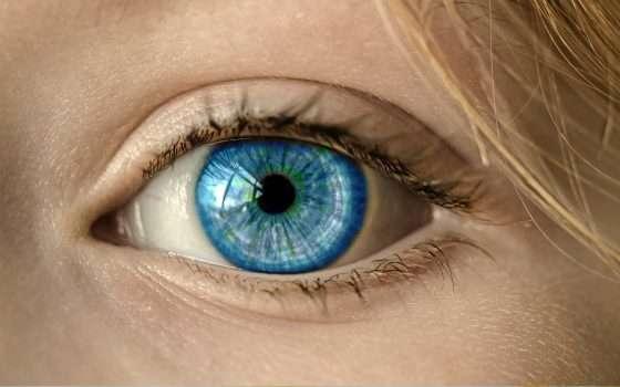 Le lenti a contatto con zoom incorporato