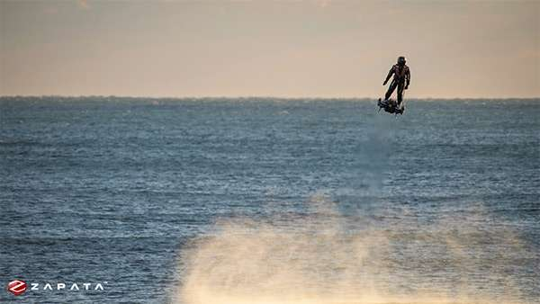 L'hoverboard Flyboard Air di Zapata Industries