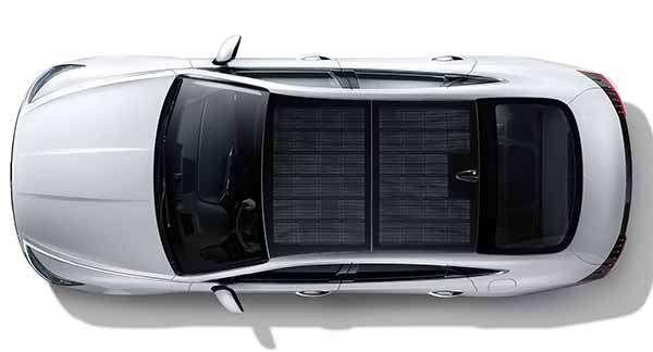 L'ibrida Hyundai New Sonata Hybrid con tetto fotovoltaico