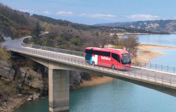 Gli autobus del servizio BlaBlaBus offerto da BlaBlaCar