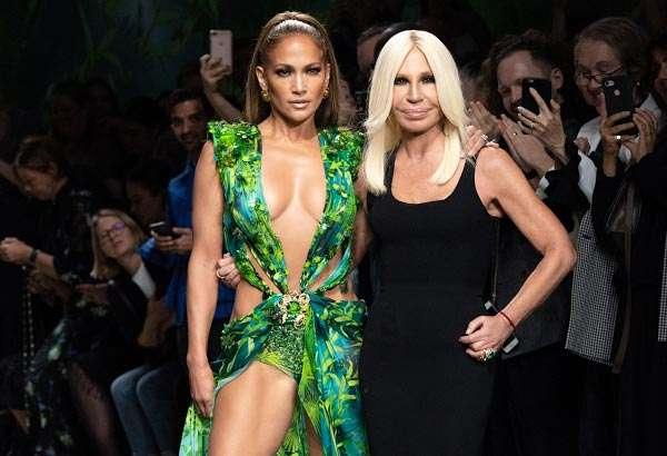 Il Jungle Dress di Versace indossato da Jennifer Lopez