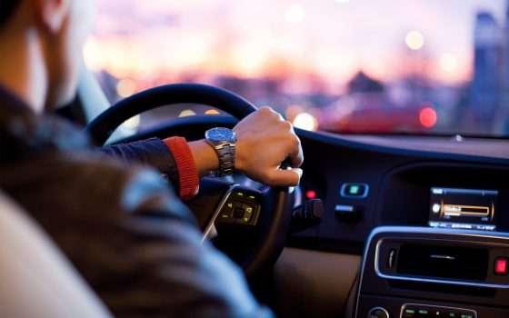IDE: algoritmi IA per l'assicurazione auto