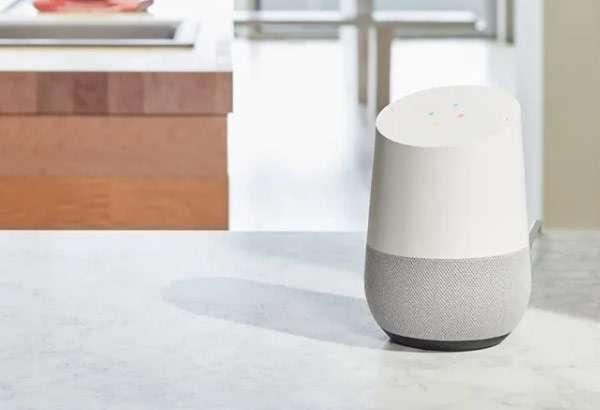 Lo smart speaker Google Home