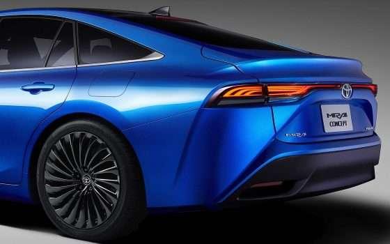 Da Toyota la Mirai a idrogeno e la LQ self-driving
