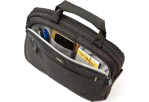 La borsa a tracolla per laptop della linea AmazonBasics