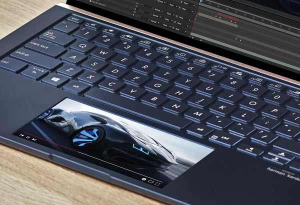 Lo schermo secondario ScreenPad 2.0 dei nuovi ASUS ZenBook