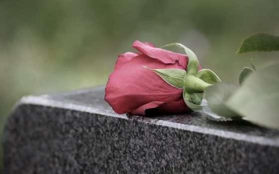 Di morte e tecnologia: il funerale in streaming