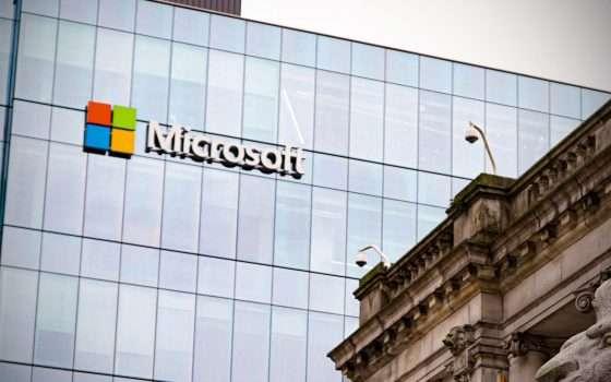 Microsoft: stop alla pubblicità su FB e Instagram