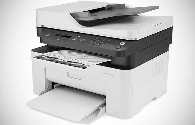 La stampante laser multifunzione HP 137fnw