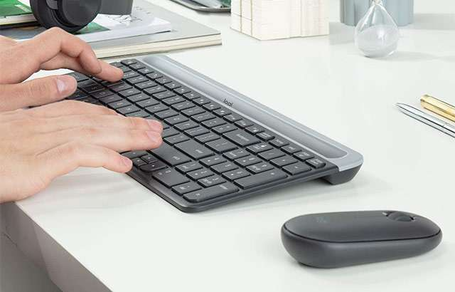 Il kit Logitech MK470 con mouse e tastiera wireless