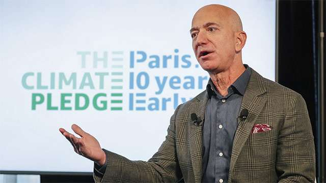 Jeff Bezos, CEO di Amazon, in occasione dell'annuncio del Climate Pledge