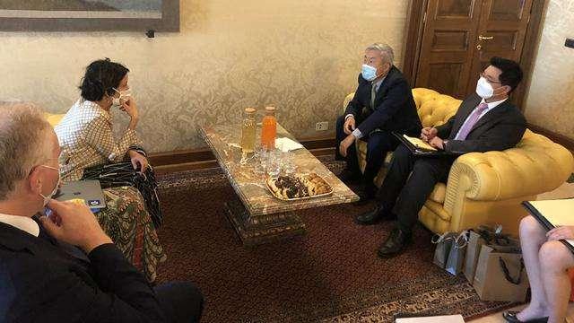 Incontro tra Paola Pisano e l'ambasciatore coreano in Italia, Hee-seog Kwon