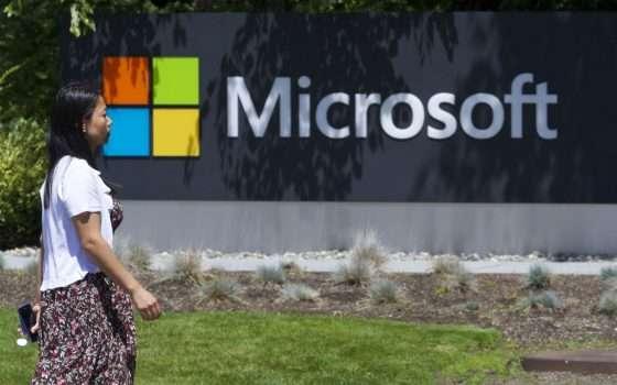 Microsoft chiude gli store: venderà solo online