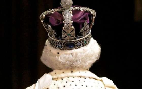 Sua Maestà la Regina Elisabetta incorona Zoom