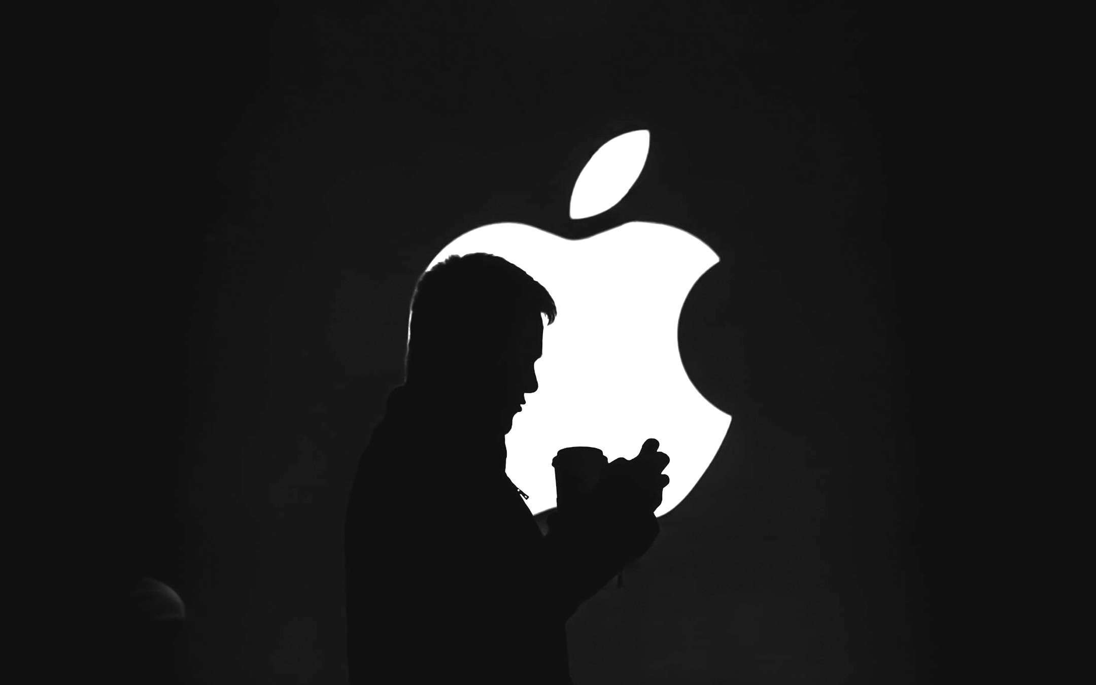 Apple's business is solid despite the crisis