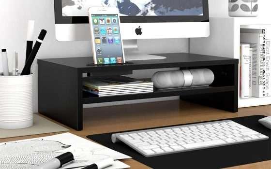 Sconti accessori PC: un supporto monitor in legno