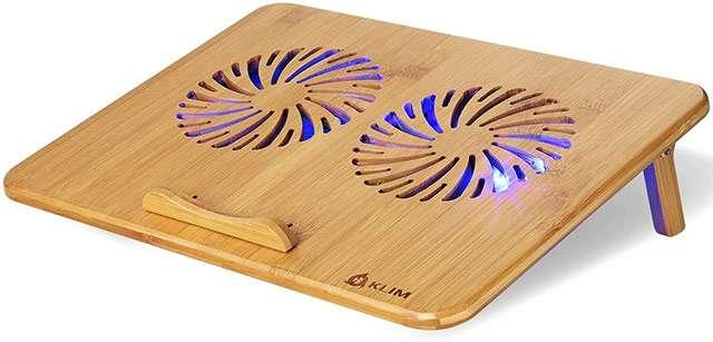 La base KLIM Bamboo per raffreddare il laptop