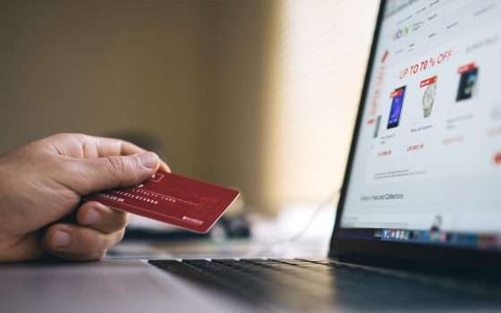 Acquisti e-commerce: crescita record in Italia