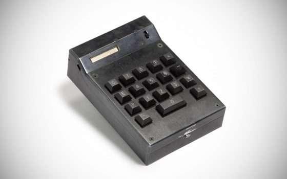 Va all'asta la prima calcolatrice portatile di TI