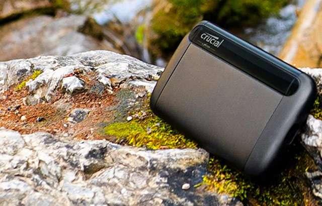 La SSD portatile Crucial CT1000 da 1 TB