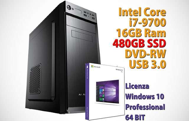 PC desktop con CPU Intel Core i7, 16 GB di RAM e Windows 10 Pro