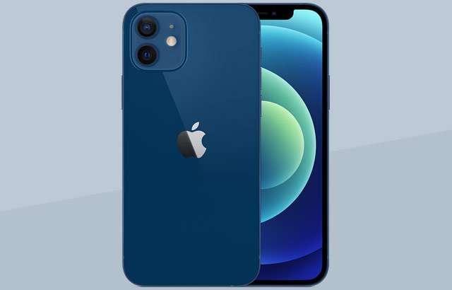 Il nuovo iPhone 12 nella colorazione Blu
