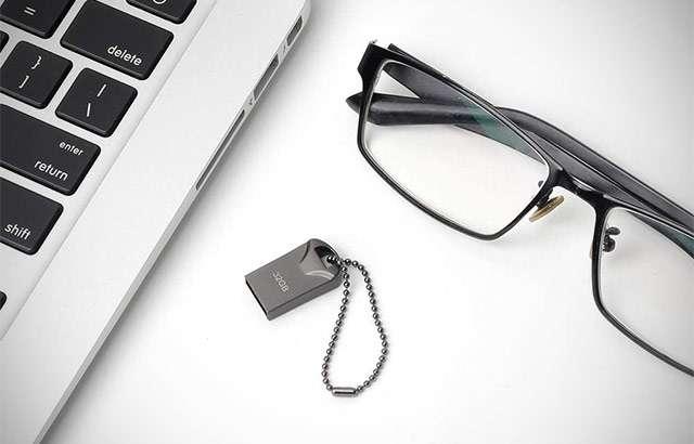 La pendrive USB da 32 GB che funge anche come portachiavi
