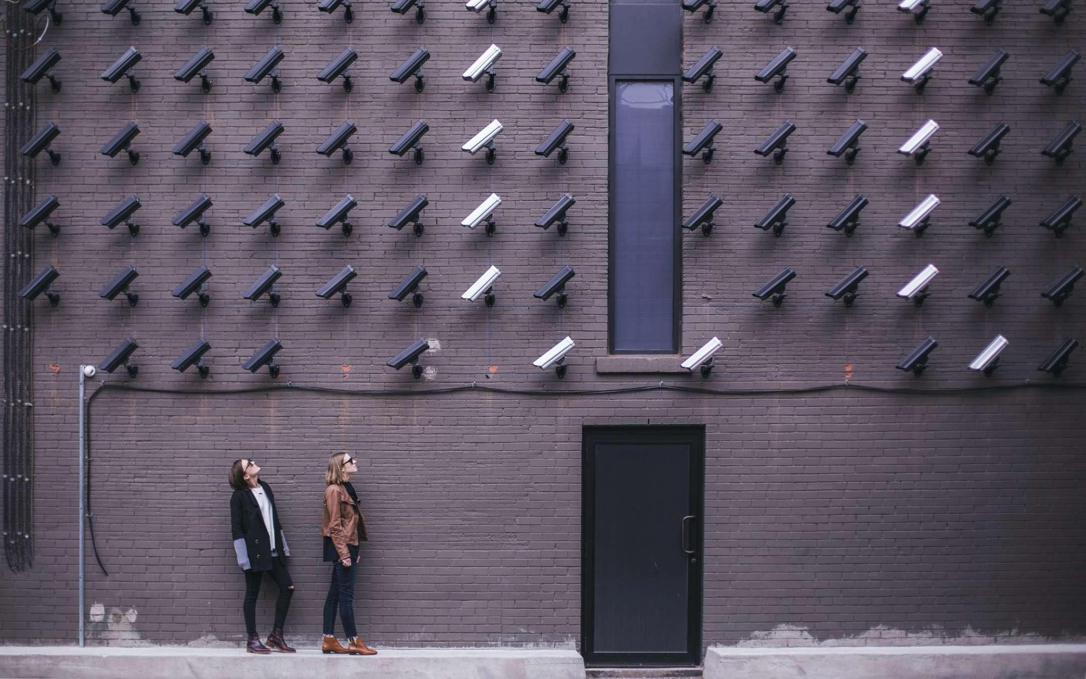 Best wireless video surveillance kit: buying guide